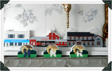 Annette added personalized Cat's Meow dog houses to her home Cat's Meow displays