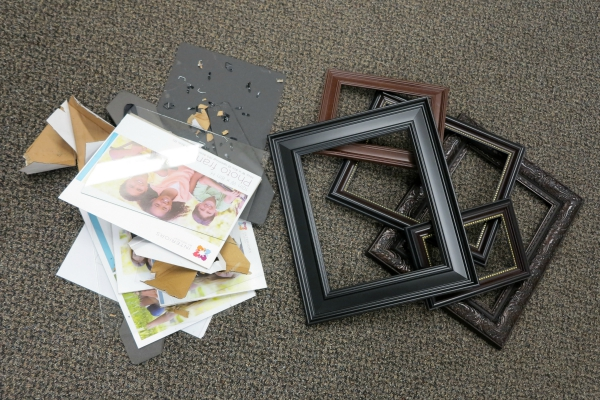 Disassemble the frames leaving only the frame part to hang on the wall.