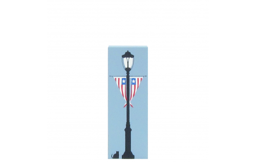 Patriotic Lamppost, Red, White & Blue bunting