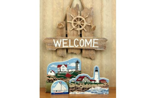 Cat's Meow handcrafted wooden keepsakes of Portland Head Light and Nubble Light located in Maine.
