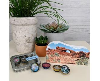 Get a replica of Skyline Arch + Arches NP sign + Wanderlust magnet set in this Arches National Park Subscription Box.